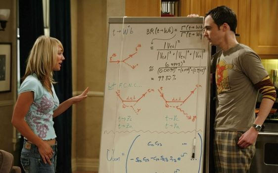 Sheldon and Penny during a discussion about particle physics; drawn on the blackboard, besides formulae, are pictograms known as Feynman diagrams, after their inventor Richard Feynman, physicist and Nobel Prize winner in 1965.